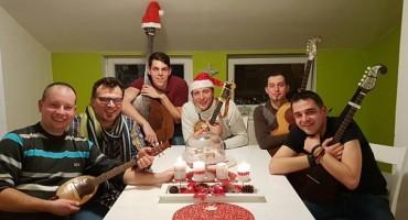 Dečki iz Slavonije snimili su 'Božićni bećarac'
