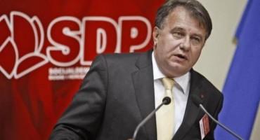 NIKŠIĆEV FACEBOOK STATUS Nek HDZ i SDA što prije obznane koaliciju, jasno zašto Salem Marić vratio mandat u Parlamentu