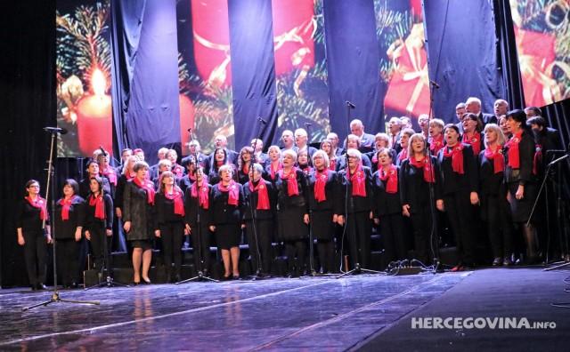 Mostar: Pogledajte kako je bilo na božićnom koncertu Gradu s ljubavlju