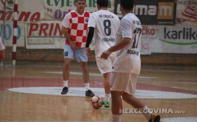 Revijalna utakmica Božićnog turnira: Zajedništvo - NK Croatia 3:6