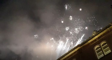 Pogledajte vatromet s kojim je Dubrovnik uplovio u Novu 2019. godinu
