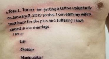 Samo je htio da mu supruga oprosti, a sada mu se zbog tetovaže smije cijeli internet