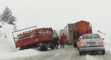 Zbog prometnog kolapsa autobusi na dionici Mostar - Sarajevo neće prometovati