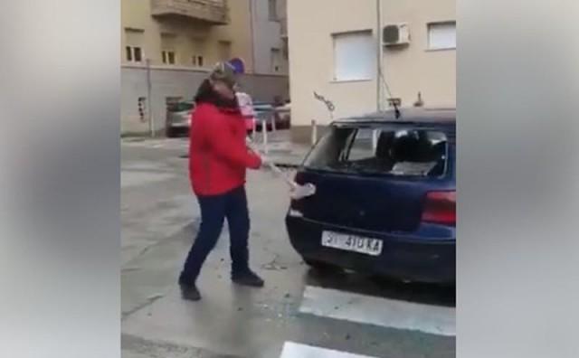 Pogledajte kako se u Splitu radi sa vozilima koji su parkirani na mjestima određenim za pješake
