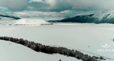 Snježna zimska magija učinila da Blidinjsko jezero potpuno izgubi trag