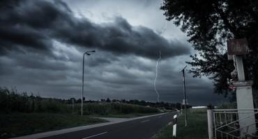 Stiže nevrijeme: U Zadru prolom oblaka, u Splitu udari olujnog juga
