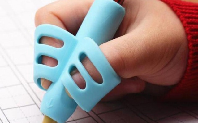 Uz pomoć ove spravice djeca će naučiti kako zapravo treba držati olovku!