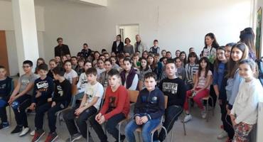 Grude: Druženje učenika OŠ Ruđer Bošković s književnicima povodom Svjetskog dana pjesništva