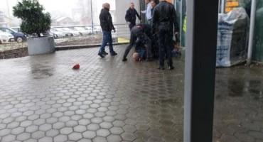 Pokušaj pljačke 'Sberbanke' u Cazinu, ranjen zaštitar