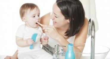 Potaknite djecu da redovno čiste zube