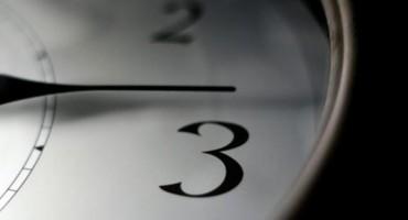 SPAVAMO SAT DUŽE U nedjelju počinje zimsko računanje vremena