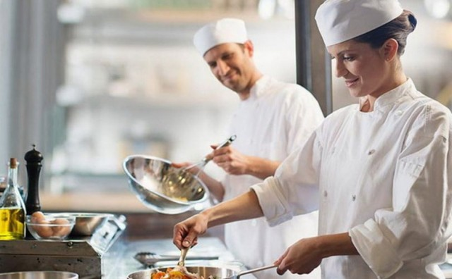 Ugostitelji ostaju bez radnika, nema kuhara i konobara