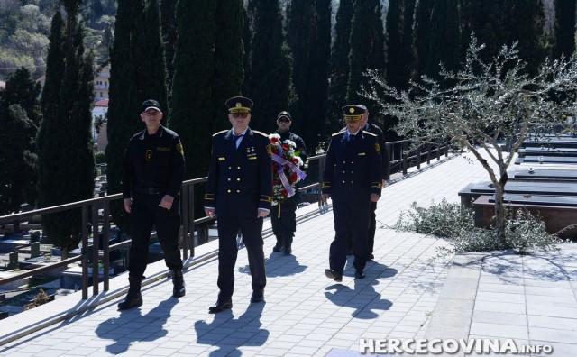 Mostar: Izaslanstvo FUP-a položilo cvijeće na grob Joze Leutara