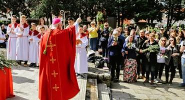 Nuncij u Međugorju: Papa vas pozdravlja!