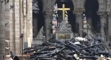 MONSINJOR CHAUVET Moguće da Notre Dame ne bude spašen