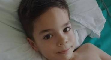 Prikupljeni novac za liječenje djevojčice Mile studenti Sveučilišta u Mostara uplatili malenom Maku