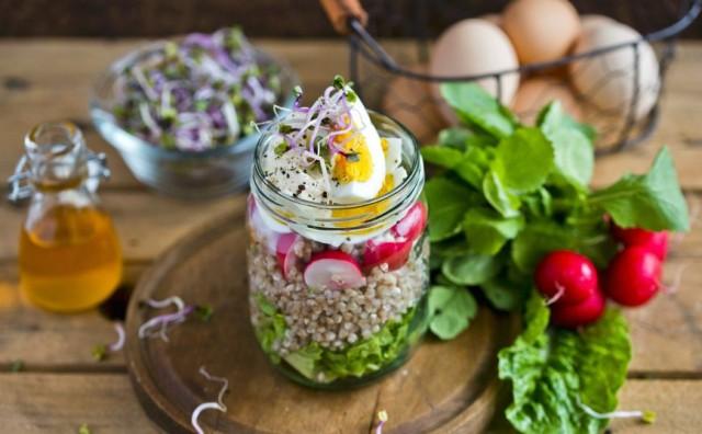 Proljetna salata koja će popraviti posljedice prejedanja