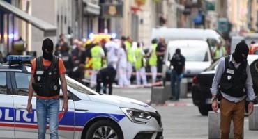 Nadzorna kamera snimila bombaša u Lyonu