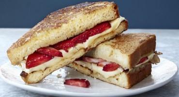 Recept za sendvić s jagodama i sirom