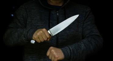 DJELATNICE KLADIONICA U STRAHU Maskirani razbojnik s nožem u novoj pljački u Mostaru