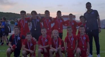 Mali nogometaši HŠK Zrinjski osvojili drugo mjesto na turniru u Grudama
