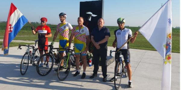 S Ovčare krenuo 11. biciklistički ultramaraton Vukovar – Dubrovnik