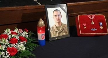 Josip Briški pokopan uz najviše vojne počasti: 'S ponosom je nosio zelenu beretku'