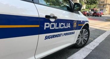 Užas u Hrvatskoj: Kupač umro u moru, policajac nije htio smočiti uniformu