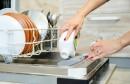 Je li jeftinije suđe prati na ruke ili u perilici? Nijemci imaju odgovor