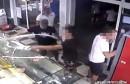 Skupina mladih huligana u Sinju demolirala pekarnicu