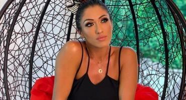 Hana Hadžiavdagić se na moru okitila perjem