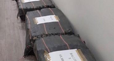 Carinici u Francuskoj pronašli više od tone kokaina