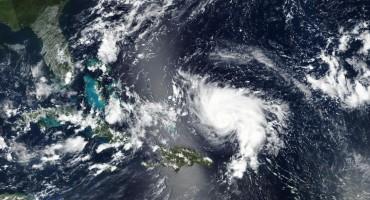 Uragan Dorian približava se Floridi, građanima poručili da se pripreme za višednevnu oluju