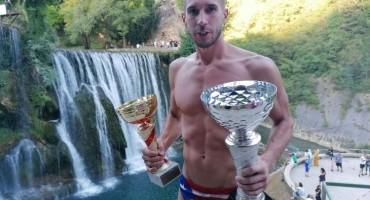 Stefan Jevtić pobjednik skokova s vodopada u Jajcu