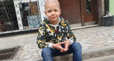 Hrabri dječak iz BiH prebolio rijedak oblik tumora i vraća se kući