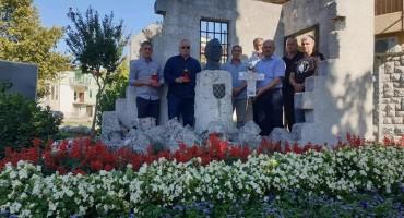 U Sesvetama i Ljubuškom HSP obilježio obljetnicu brutalnog smaknuća Ante Paradžika