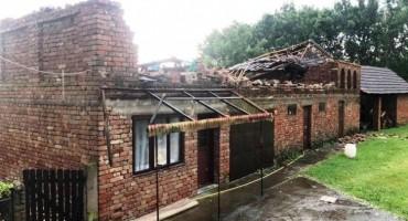 Šteta od olujnog nevremena u Orašju veća od tri milijuna maraka