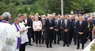 Čović u Grabovici: Procesuiranje svih zločina nužno za uspostavu funkcionalne europske BiH