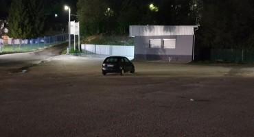Građani upozoravaju: Parking postao poligon za seks: Ovo je nesnošljivo, bacaju iskorištene kondome!