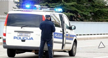 Mrtav pijan izazivao paniku na autocesti u smjeru Splita: S nevjerojatnih 3,06 promila policija ga uhitila