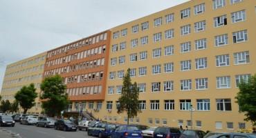Hercegovina.info donosi potresnu priču iz Tuzle: Viša medicinska sestra žrtva mobinga, vrijeđanja na vjerskoj osnovi