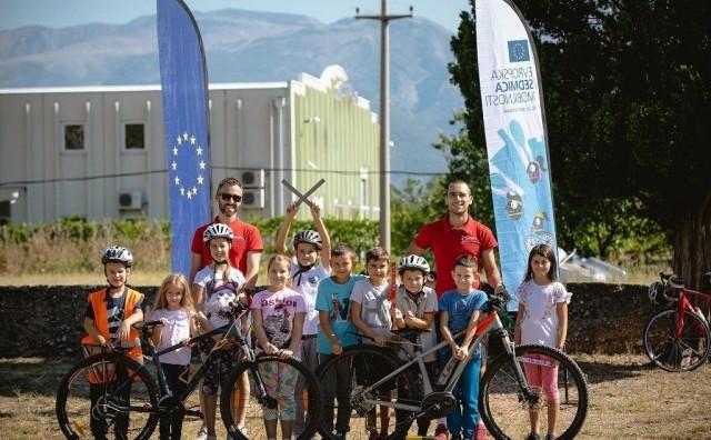 Mostarski biciklisti kroz rad s najmlađim obilježili Europski tjedan mobilnosti