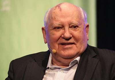 Gorbačov: Svijet je na opasnom rubu, ovo što se događa sliči pravom ratu