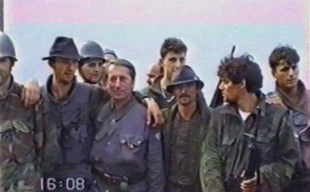 Originalna video snimka sa Trpinjske ceste u Borovom Naselju u Vukovaru snimljena 18. rujna 1991.
