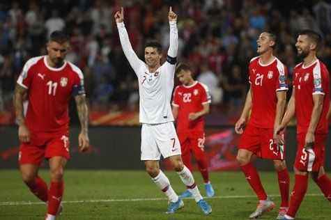 Čudesni Ronaldo, Engleska u golijadi svladala Kosovo