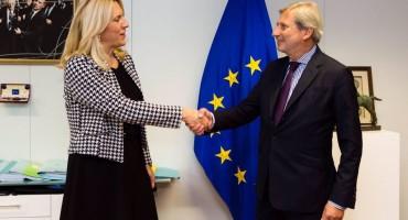 Hahnova poruka Cvijanović: Europska unija očekuje da pravosuđe uredno ispita i procesuira slučaj Davida Dragičevića i slične slučajeve