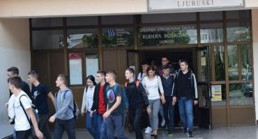 U Ljubuškom održana edukacija učenika i ne/nastavnog osoblja srednje strukovne škole Ruđera Boškovića