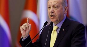 Erdogan ponovno prijeti da će pustiti migrante u Europu