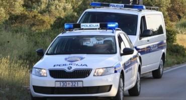 Drama u Sinju: Muškarac se zatvorio u kuću i prijeti da će izazvati eksploziju
