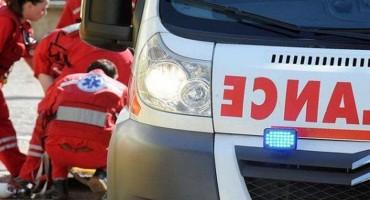 Teška prometna nesreća: Albanac udario u parkirano vozilo u Tasovčićima, ozlijeđene četiri osobe